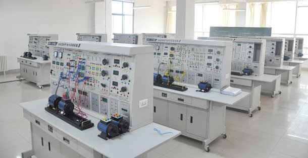 LG-CDQ02型 船舶电力拖动及电气节制手艺实训装配