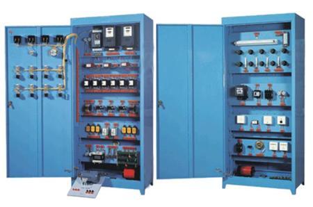 整台设备以标准的配电柜为主柜,合理利用柜体的双面空间,科学地布置